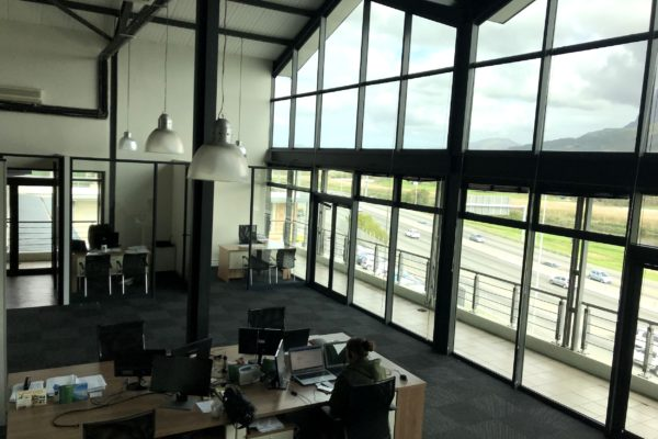 M5 Business Park Office To Let 294sqm