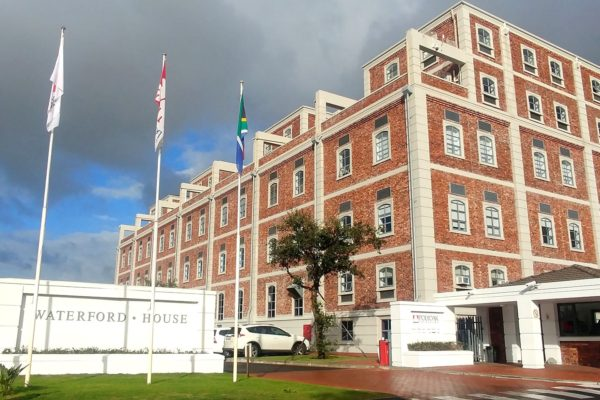 Waterford House, Waterford Rd, Diep River - 289m²