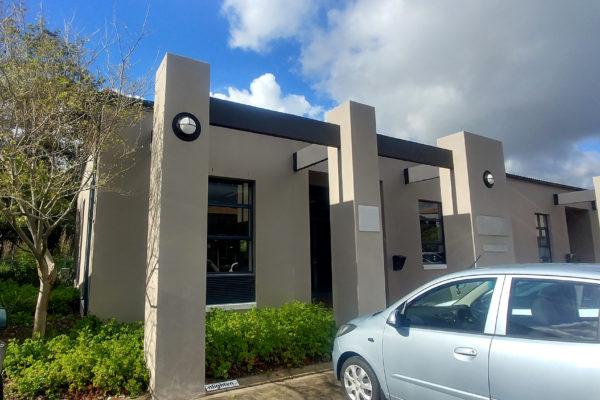 140m² - Greenford Office Park, Punters Way, Kenilworth