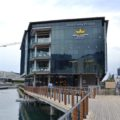 Waterway House, North 1, Dock Road, Canal District, Waterfront – 850m²