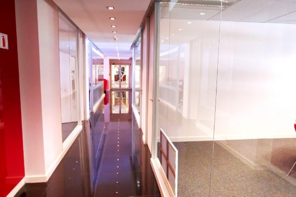 350m² - Impressive and upmarket office space available in the ever popular Newlands on Main.