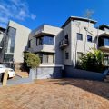 120.86m² – A neat corporate office space available at Canal Edge 2b in Tyger Waterfront.