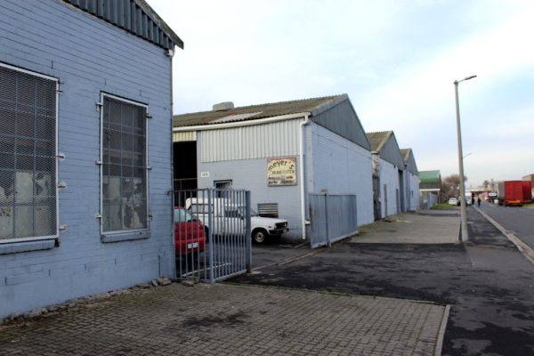 258m² - Industrial unit available in Hein Road Industrial Park, Athlone